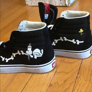 Brand new Black Vans Peanuts edition